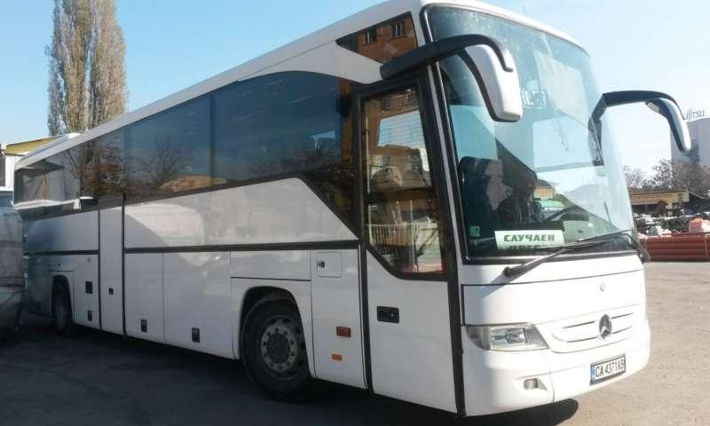 Продават се 2 броя автобуси MERCEDES INTOURO