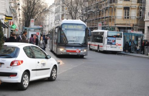 EС ще въвежда лимити за CO2 за тежки превозни средства