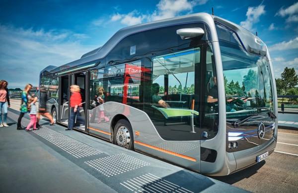 Футуристичният автобус на  MERCEDES-BENZ