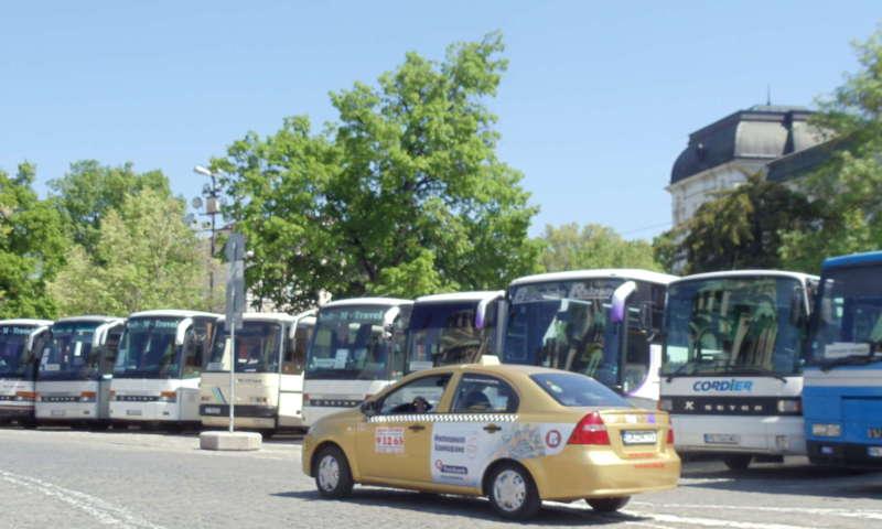 Таксиметровият бранш- отношения шофьор-превозвач-компания