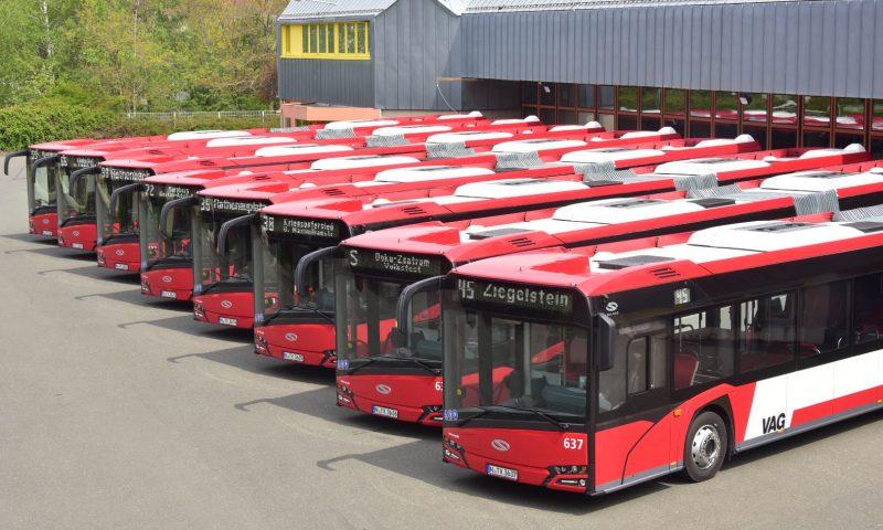 Осем съчленени автобуса на Solaris в Нюрнберг