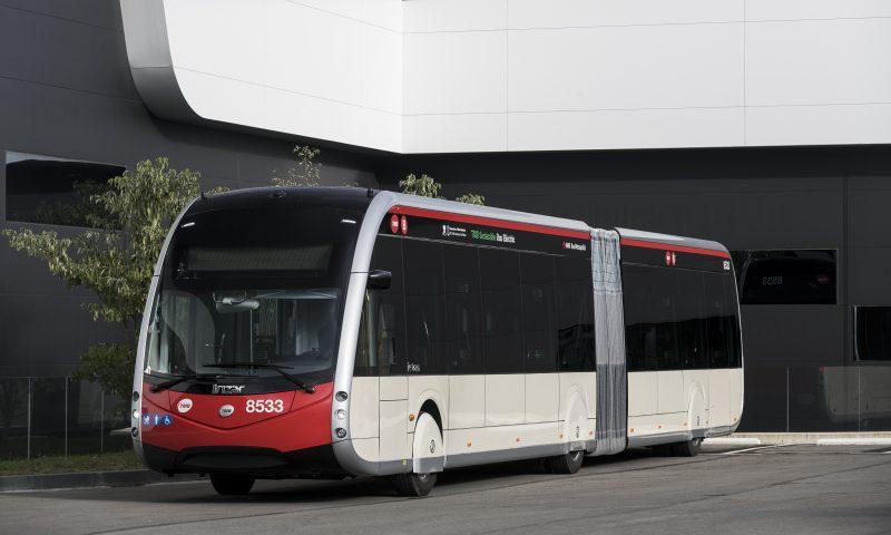 Първите стопроцентови електрически, с нулеви емисии трамвайни автобуси Irizar работят в Барселона