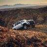 Новият Land Rover Defender с първата в света двойна еSIM свързаност на CES 2020