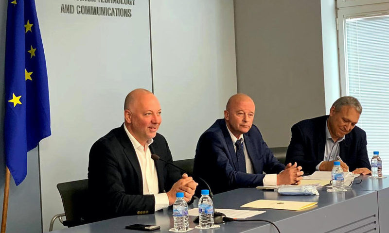 Министър  Желязков представи мерки за товарния и автобусен транспорт