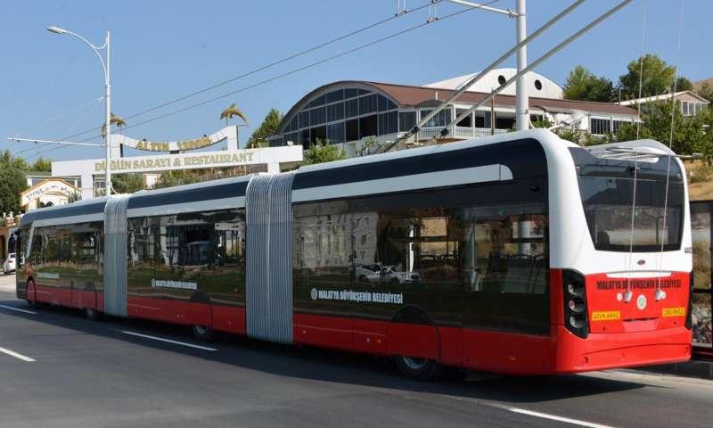 Първият местно произведен трамбус в Турция