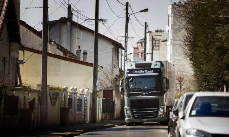 Volvo Trucks следи камионите до минута и в реално време с подобрената услуга Позициониране+