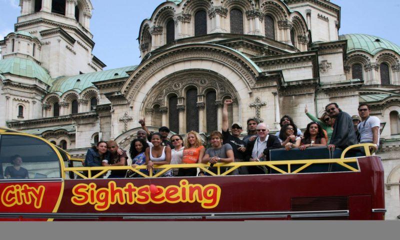 Открит автобус брандиране