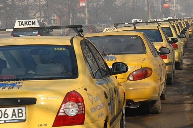 Ще има ли нерегламенирани превози и при такситата?